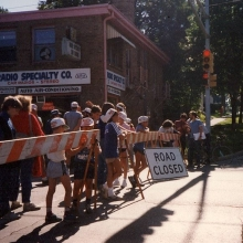 Getting ready for the Willy Street Fair Fun Run in 1985. Courtesy: Richard Guyot